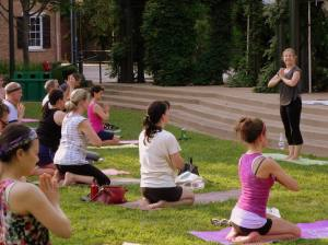 yoga at boardinghouse park